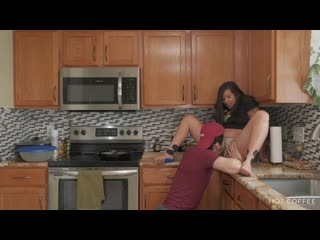 FUCKING AND COOKING! LATINA WIFE GETS FUCKED THE HUSBAND [русское порно,секс,инцест,мамки, pussy suck, lick, suck, brazzers]
