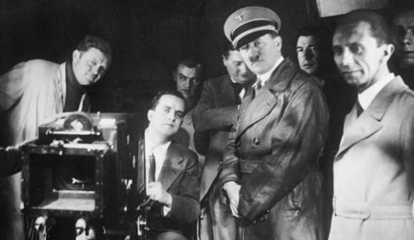 Технологию 3D изобрели в Третьем Рейхе Первые 3D фильмы появились еще в гитлеровской Германии. Такое открытие сделал австралийский исследователь нацизма и режиссер Филипп Мора, обнаружив в