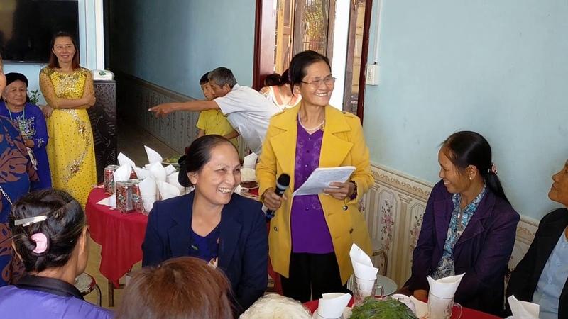 Các con cháu mừng vui tổ chức lễ mừng thọ cho mẹ mong mẹ mãi mãi mạnh khỏe sống vui vẻ bên con cháu