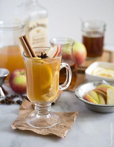 ТОП-10 лучших согревающих напитков. Любой унылый зимний вечер можно превратить в уютный с помощью изысканного коктейля, который можно легко приготовить в домашних условиях. Предлагаем вам топ-10