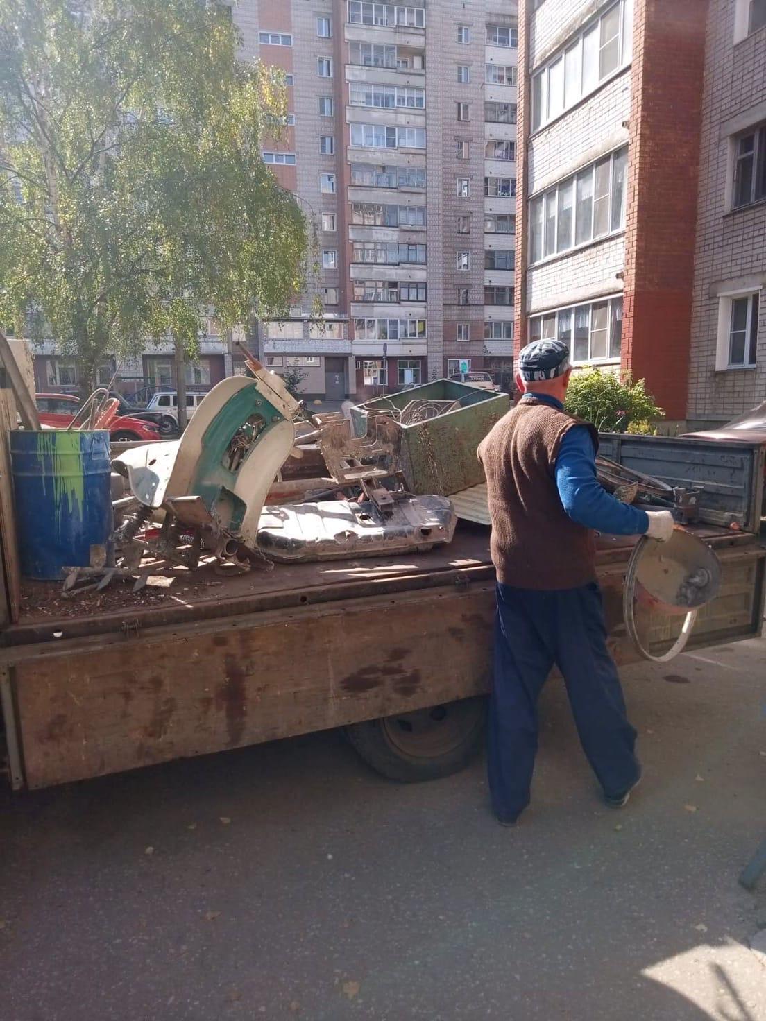 Р. Ердякова дом 4 чистка чердака от