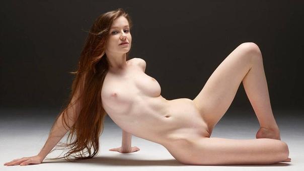 Beautiful Body Chest Figure Girl Legs Look Model Pose Url Galleries 1