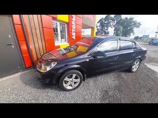 Видеобзор на автомобиль Opel Astra