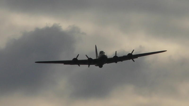 P51D Mustangs collision Accident Duxford Battle of Britain Air Show 23sep17 409p C47 B