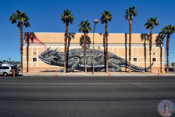 Черно-белый стрит-арт от Roa. Бельгийский уличный художник, работающий под ником ROA украсил своими работами не только стены домов родного Гента, но и многих других городов мира. Его черно-белые