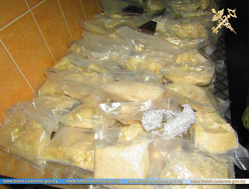 В Бресте начинается суд над россиянкой за попытку перевезти через границу более 100 кг экстази