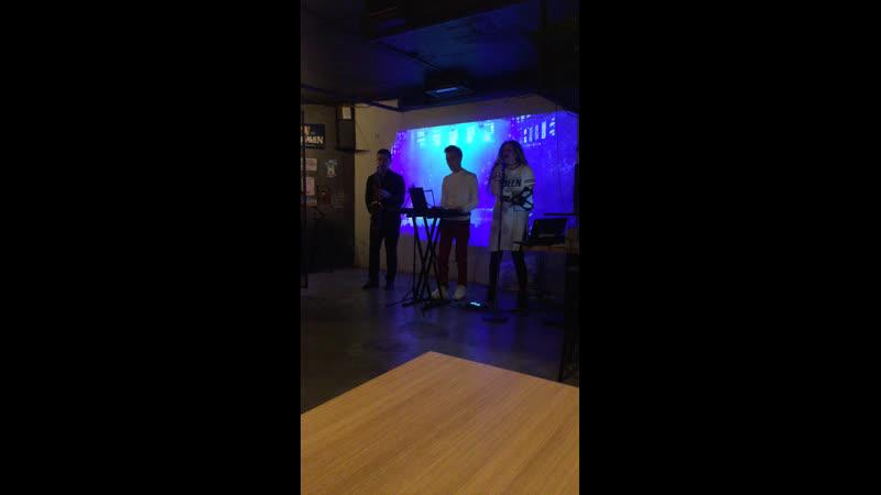 Live Бар в Шушарах ComeOn