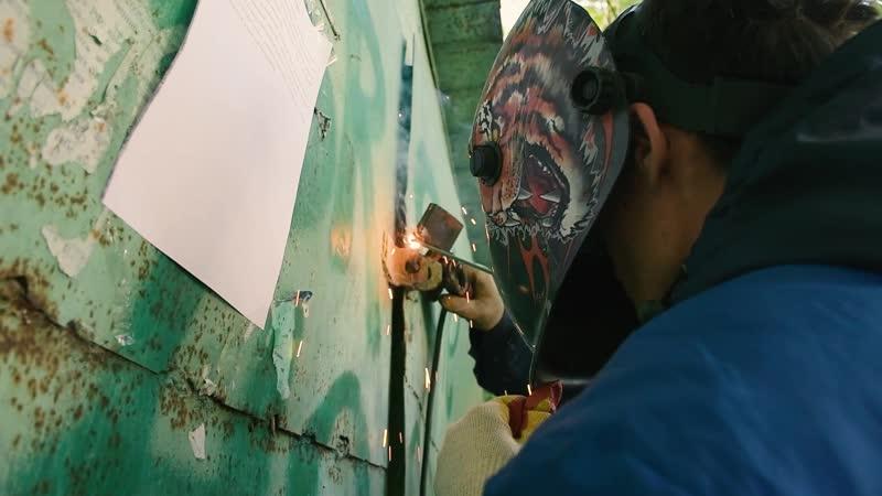 В Чебоксарах сносят бесхозные гаражи