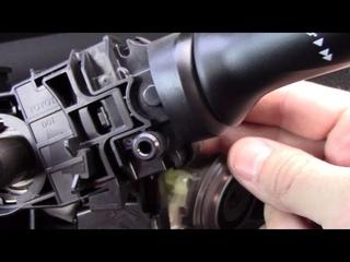 Снимаем руль, меняем рычаг переключения света фар на Toyota Corolla E150