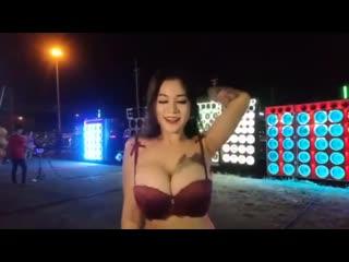 Thailand koyoty bigboobs