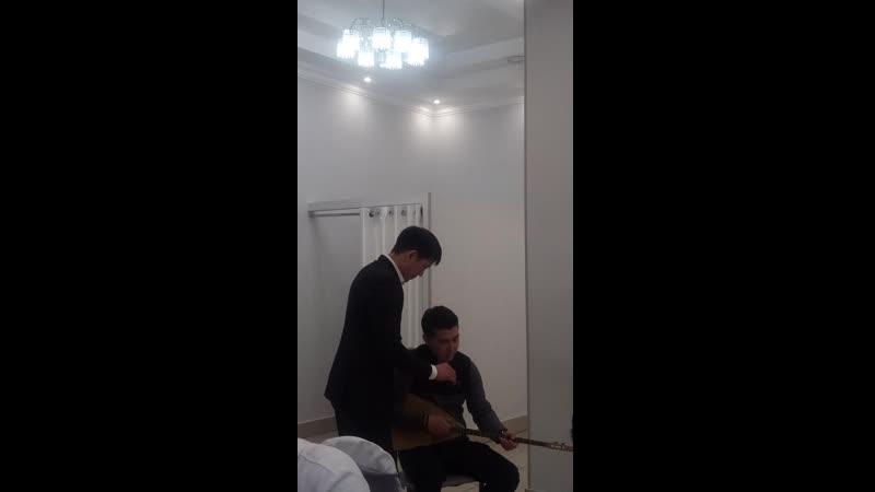 Кутлан Мукубенов. Калмыцкая народная песня Ээжин дун- Песня матери.