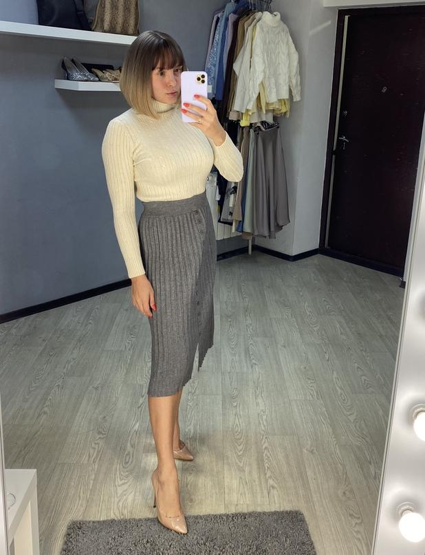 Плиссированная юбка из трикотажа от REALEFT Official Store.