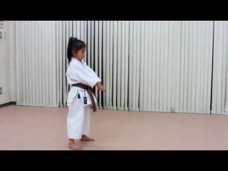 Enpi and kankudai by 6-year-old-girl 6歳の女の子の燕飛と観空&a
