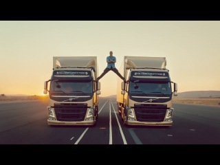 Реклама-тес Вольво Тракс с Ван Дамом / Volvo Trucks - The Epic Split feat. Van Damme (Live Test 6) JCVD