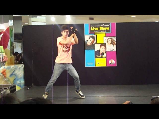 Jonathan Gerlo Johnny Ywae Party Rock Anthem @ Il Maestrale