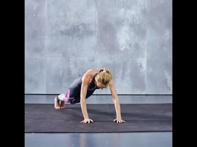"Victoria's Secret Sport on Instagram Next up in @angelcandices TrainLikeAnAngel workout Plank Tuck Jumps Core work cardio = one killer total body toner Get started 1 …"""