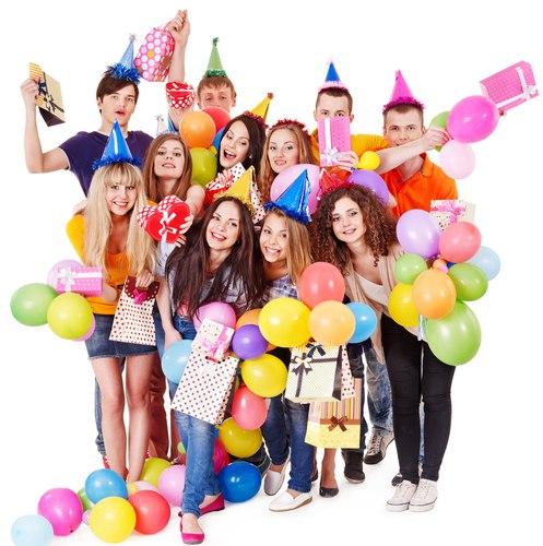 поздравления с днем рождения в компании друзей многочисленные