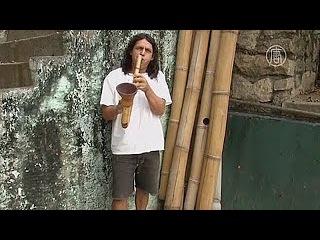 Бразилец мастерит саксофоны из экологичного самим выращенного бамбука