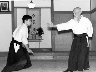 Aikido Techniques - Morihei Ueshiba 植芝 盛平 - Old Japanese Documentary PART 2/2