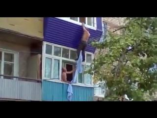 Неугомонная тощая сука 18 лет (домашнее порно,инцест, семейное, русское, пьяные, постаноа, брат с сестрой, минет, секс)