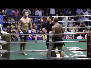 Clash of the Titans! Stephan Knocks out the Tiger Muay Thai Fighter
