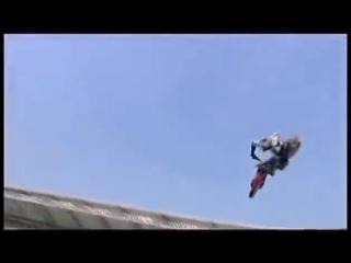 Самые страшные падения на мото гонках!!! жесткое видео