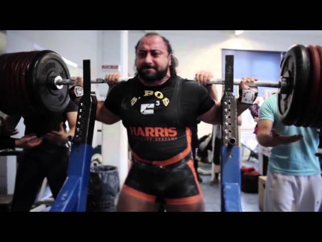 Zahir Khudayarov RAW squat with wraps 505 kg 1113 lbs
