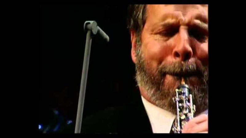Henrik Chaim Goldschmidt plays Gabriel's Oboe