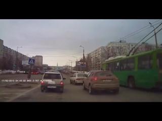 ✔ ОСОБОЕ МНЕНИЕ: В Казани под колеса авто угодила косуля ()