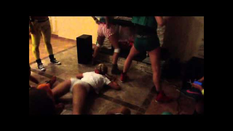 Издевательства над проститутками красивая русская проститутка