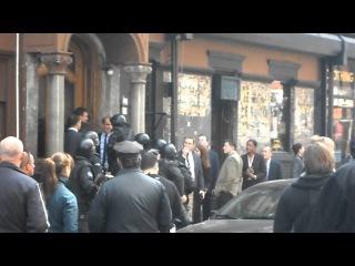 Mark Ruffalo & Michael Kelly filming in NYC