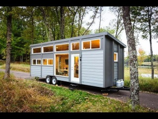 Incredible Tiny House with Full-Size Appliances Can Sleep 8