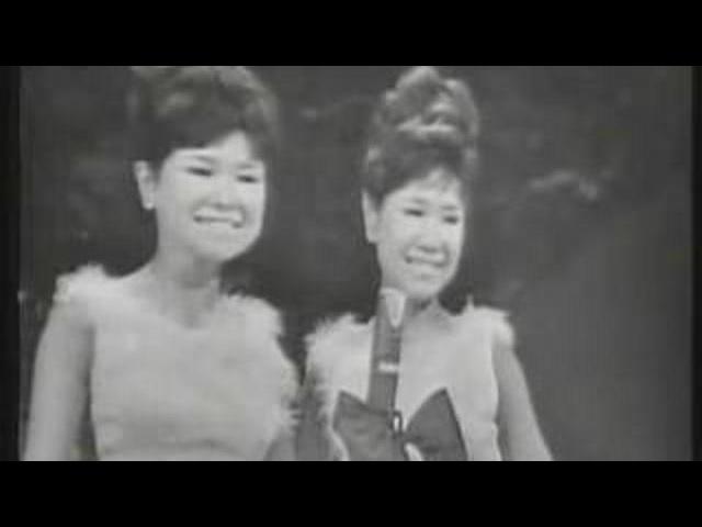 Посмотрите это видео на Rutube «Каникулы любви (У моря, у синего моря...) Сёстры Дза Пинац»