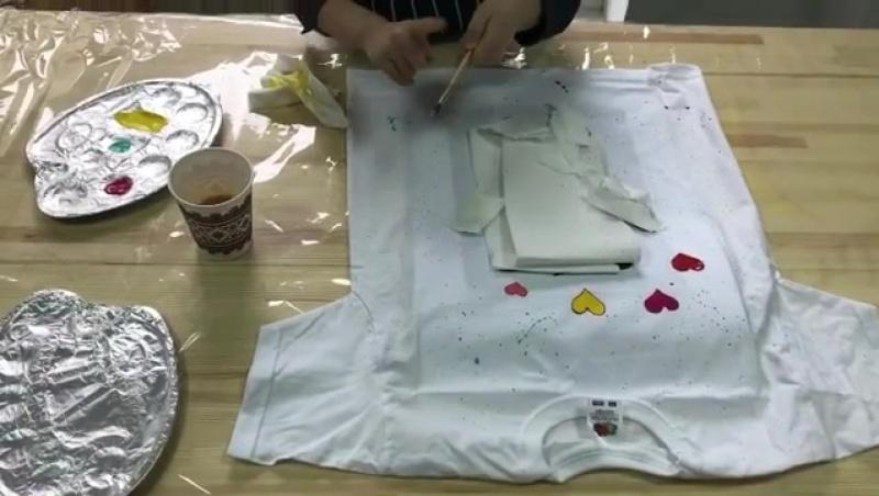 Выездной мастер-класс по росписи футболок: сладкие мишки!