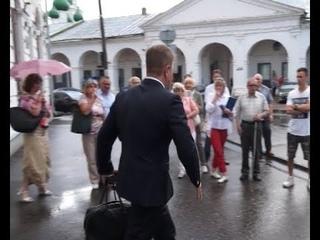 Областных депутатов освистали за пенсионную реформу