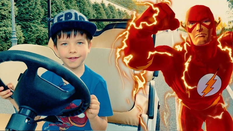 Денис устроил в парке гонки с Флешем Kid vs FLASH Race Car Battle Family playtime for kids | DenLion
