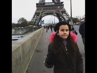 Честно, не верю, что я поднималась сегодня на Эйфелевую башню!!!))) Что гуляла по ПАРИЖУ!!!))))