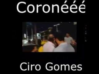 Ciro Gomes ameaça e agride manifestantes