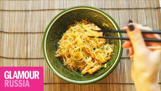 Как приготовить рисовую лапшу с креветками