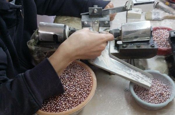 рис. Процесс обработки жемчуга