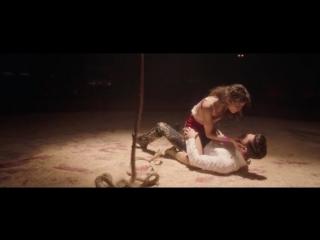 Зендая и Зак Эфрон: Отрывок из фильма Величайший шоумен - Rewrite The Stars