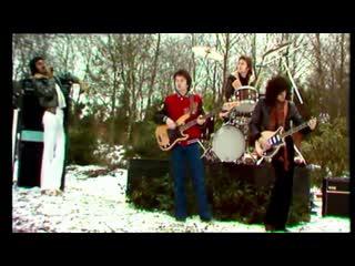 Queen - Spread Your Wings - русские субтитры (1977)