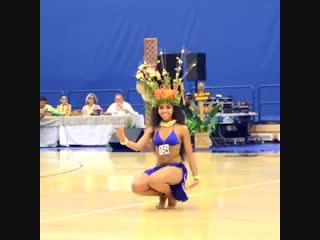 Hot Tahitian Dancing