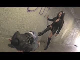 Tunnel Of Beatdown Empress Jennifer femdom