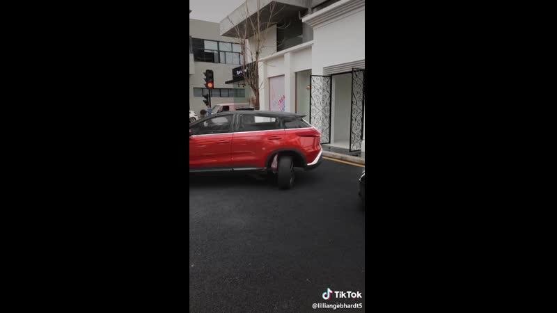 VIDEO-2019-04-26-15-44-07.mp4