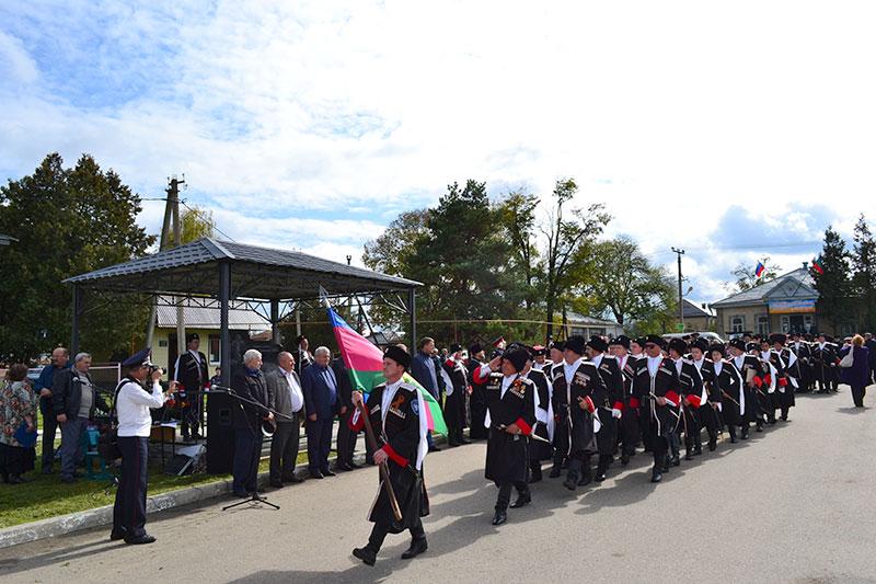 Годовщину основания Кубанского казачьего войска отметили в КЧР