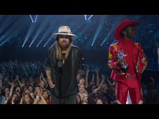 Lil nas x & billy ray cyrus win song of the year