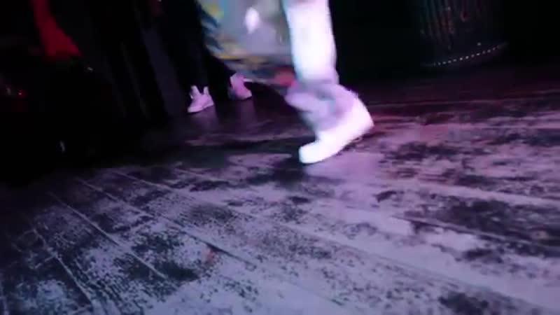 карма бар Показ летней хип хоп одежды