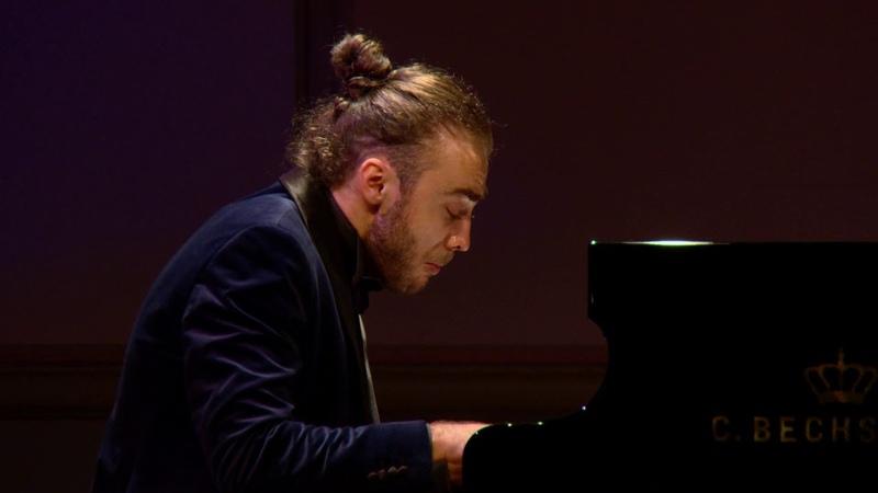 Daniel Ciobanu performs George Enescu's Carillon Nocturne