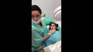 Супер зубной врач лечит хронический пульпит у трёхлетней девочки